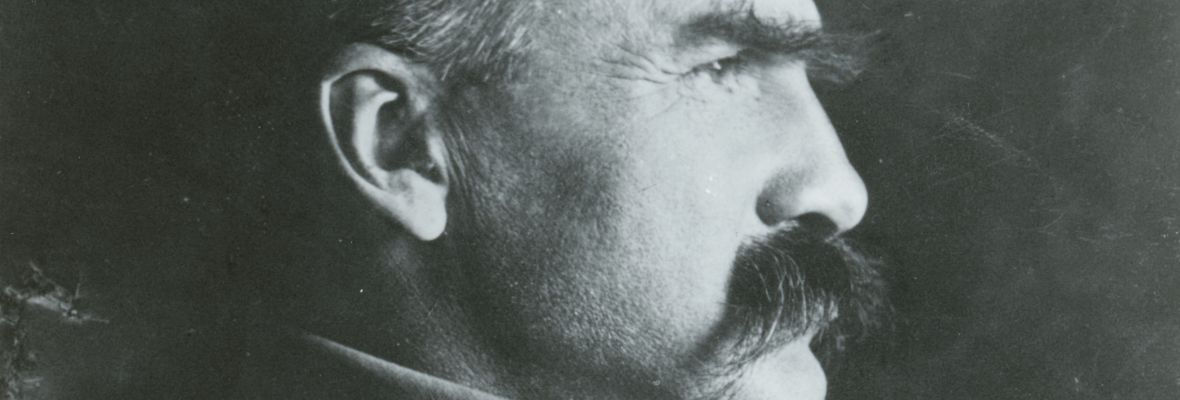 Józef Piłsudski, profil twarzy, lata 30. XX w.