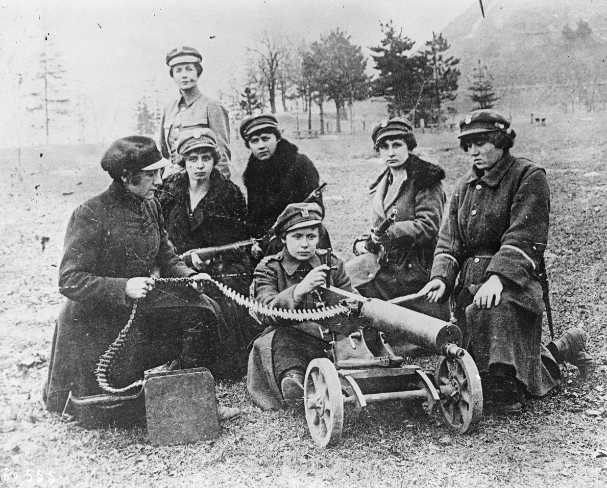 Kobiety z Ochotniczej Legii Kobiet podczas wojny polsko-bolszewickiej, 1920, Bibliothèque nationale de France