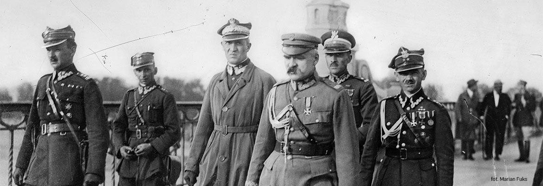 12 maja 1926, marszałek Józef Piłsudski przed spotkaniem z prezydentem RP Stanisławem Wojciechowskim na moście Poniatowskiego.